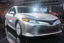 toyota fast car how fast are the different 2018 toyota camry models