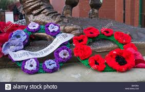 knitted memorial wreaths for animals killed in war south shields