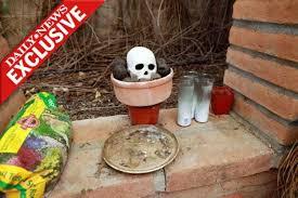Backyard Skulls Frightening Shrine In Arizona Killer U0027s Yard Ny Daily News
