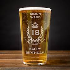 birthday drink personalised pint glass 18th birthday crest gettingpersonal co uk
