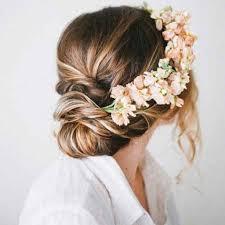 fleur cheveux un mariage bohème chic avec des fleurs dans les - Fleurs Cheveux Mariage