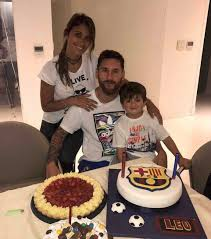 lionel messi marries antonella roccuzzo in argentina daily mail
