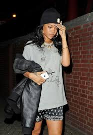 rihanna hoop earrings rihanna photos photos rihanna out late in london zimbio
