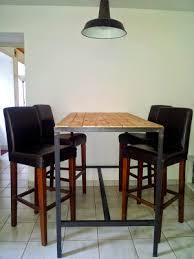 fabriquer une table haute de cuisine table haute industrielle hyper sympa idées pour la maison