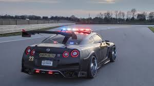 nissan christmas don u0027t bother running from this insane nissan gt r police car