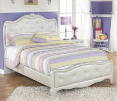 Marlo Furniture Liquidation Center by Signature Design By Ashley Zarollina Full Upholstered Bed In