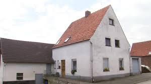 Haus In Haus Horror Haus Von Höxter Frau Wochenlang Eingesperrt Und