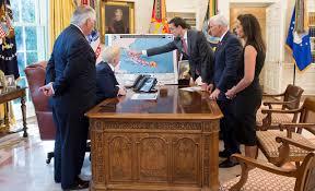 trump s desk photos from president donald j trump u0027s briefing on hurricane irma