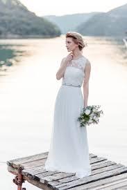 brautkleid schlicht brautkleid schlicht naturlich modische kleider in der welt beliebt