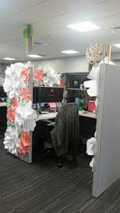 cubicle decor diy pink flowers birthday cubicle decorations