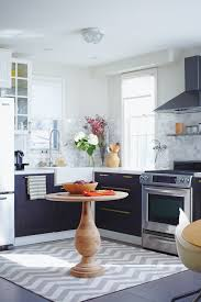 kitchen cabinet ideas small kitchens 20 small kitchens that prove size doesn t matter house home