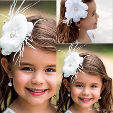 flower girl accessories 18 easy ways to facilitate flower girl wedding haircountdown to