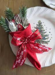 Decoration For Christmas Dinner Table by Best 25 Christmas Napkin Folding Ideas On Pinterest Napkin