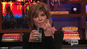 lisa rinna weight off middle section hair lisa rinna flips off brandi glanville while guest on wwhl daily
