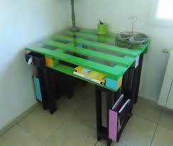 m bureau enfant nett fabriquer un bureau pour enfant 4 bureaux en palettes faire soi