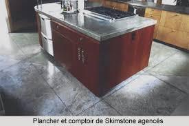 comptoir ciment cuisine enduit de béton décoratif skimstone pour murs comptoirs et
