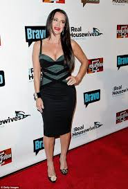 yolanda clothing off housewives yolanda foster attends real housewives of beverly hills premiere