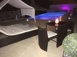 nuit d hotel avec dans la chambre chambre chambre d hotel avec piscine privative chambre d