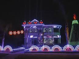 downtown san antonio christmas lights man makes epic star wars themed holiday light show out of 15 000