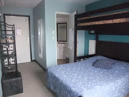 chambre lit superposé chambre avec lit superposé photo de auberge des lacs bleus