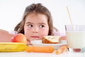 bimbo 13 mesi alimentazione cosa fare se il bambino mangia troppo ed 礙 sovrappeso