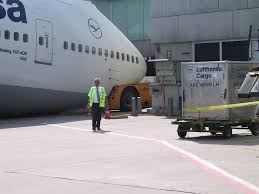 lh 744 tk nose gear down archive pprune forums