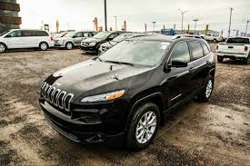 burgundy jeep 2017 jeep cherokee 2017 noir chicoutimi g7h 4b5 6957318 jeep