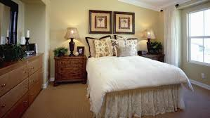 what is the size of a full bed frame reference com