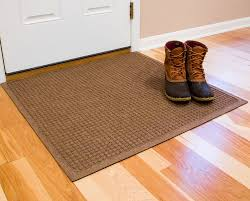 laminate floor mat well