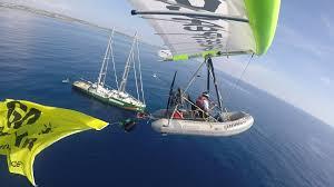 gommone volante greenpeace vola con un gommone sul canale di sicilia per chiedere