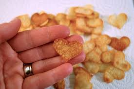 heart shaped crackers simple heart shaped s day crackers mommycoddle