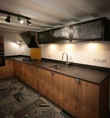cuisine bois acier cuisine bois et acier d inspiration vintage cuisine sur mesure