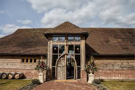 Kingscote Barn Reviews Kingscote Estate Wedding Venue East Grinstead West Sussex