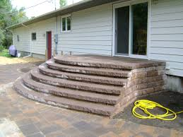Large Paver Patio by Paver Patio With Large Staircase And Grilling Station Oasis