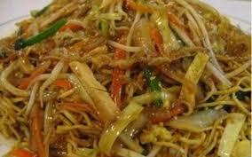 cuisiner des pates chinoises recette nouilles au poulet et curry vert pas chère et simple