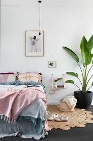 plante verte dans une chambre idées chambre à coucher design en 54 images sur archzine fr