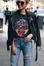 graphic tee and jeans fall winter outfits pinterest