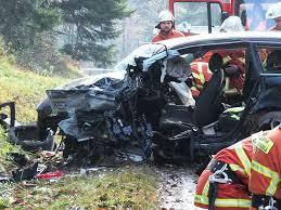 Polarion Bad Liebenzell Bad Liebenzell 20 Jähriger Stirbt Bei Schwerem Unfall Bad