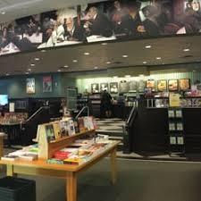 Barnes And Noble Bend Oregon Barnes U0026 Noble Booksellers 18 Reviews Bookstores 190 Cedar
