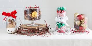 Easy Christmas Centerpiece - easy christmas centerpiece vases christmas tabletop ideas