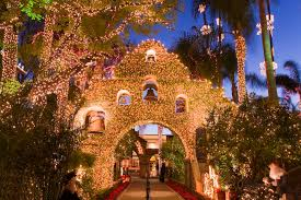 The Mission Inn Festival Of Lights Winter Wonderland Hotels 5 Gorgeous Resorts To Celebrate The Season