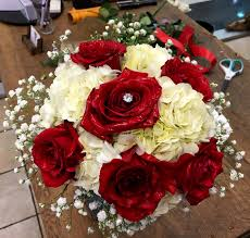 Red And White Centerpieces For Wedding by Red Roses Wedding Centerpieces White Hydrangea And Red Roses
