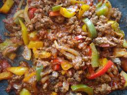 cuisiner du boeuf en morceaux bœuf aux poivrons et riz sauvage les recettes de donatienne