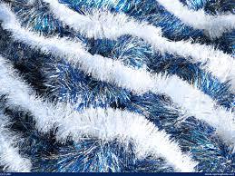 white garland blue white garland wallpaper by syeramiktayee on deviantart