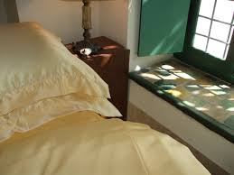 pure mulberry silk bed linen between the sheets