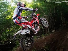 motocross in action 2014 beta rr and rs dirt bike first looks photos motorcycle usa