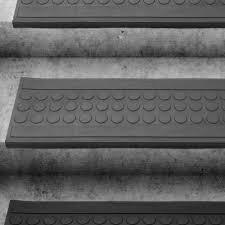 stufenmatten fuer treppe stufenmatte gummi witterungsbeständig ablaufrinne dayton de