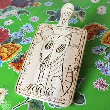 Hi Tech Cutting Board Woodburned Cutting Board Tutorial Crafty Chica