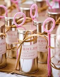 bulles de savon mariage une idée plutôt originale les invités feront des bulles de savon