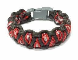 dragon paracord bracelet images Make a stitched solomon 39 s dragon paracord bracelet jpg